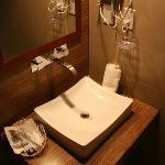 Baño / Bath Room