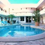 Alberca / Pool Area