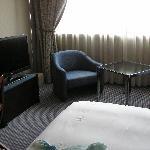 Flachbildschirm und Sitzecke