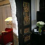 La porta tra la camera da letto ed il salotto