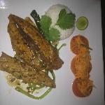 Tuna Gericht mit wunderbaren Aromen
