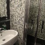 Banheiro do 1º quarto