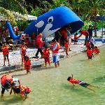 Teluk Batik Resort resmi