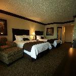 Photo de Fourwinds Lakeside Inn & Marina