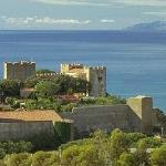 Castiglione della Pescaia's castle ( 7 miles from Roselle ) and Elba Island in the horizon
