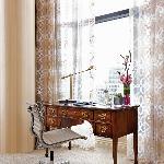 Royal Suite Desk