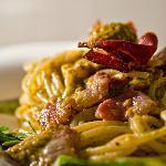 Spaghetti pesto di pistacchi e pomodorini