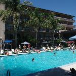 Nice poolarea with music from a DJ at sunday