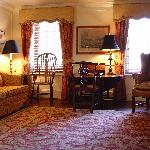Washington Suite Sitting Room