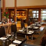 Copperleaf Restaurant at Cedarbrook Lodge