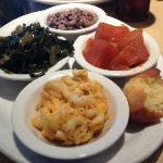 Gladys Knight & Ron Winan's Chicken & Waffles