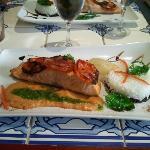 saumon mi-cuit chips de chorizo et riz vénéré