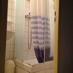 doccia fatiscente acqua calda dopo venti minuti