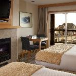 Spacious Kiwanda Guest Room