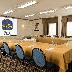 Salle Sherbrooke Room - a very popular meeting room.  Book early!