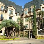 Montecito Apartment Suites