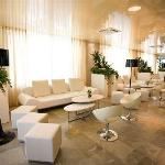 Photo de Hotel Premier & Suites