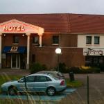 nice hotel free parking
