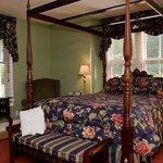 Room # 2 Queen downstairs