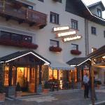 l'entrata dell'albergo/ristorante