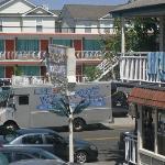 Twilight and Mango Motels