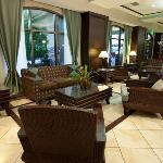 Hotel Lobby Alt