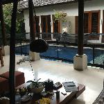 Villa Kawi Dining area / Pool