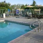 Photo of Edgewater Inn