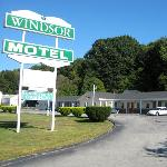 ‪Windsor Motel Groton‬