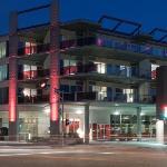 頓紅色飯店