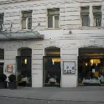 View of restaurant and front entry of hotel