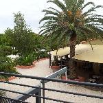 Restaurant vue de la terrasse de chambre
