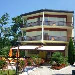 Hotel vom See gesehen