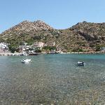 Ο λόφος του Πρ.Ηλεία πάνω από το λιμάνι
