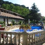 Chambres avec terrasse donnant sur une jolie piscine