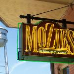 ‪Mozie's Bar & Grill‬