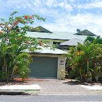 Palm Cove Villas Photo