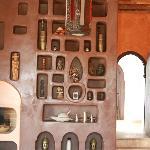 Salon, tadelakt covered wall