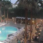 piscina vista dalla mia finestra