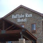Buffalo Run Hotel Exterior