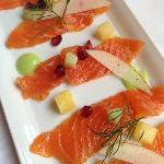 Salmon sashimi with wasabi dressing