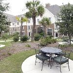 Big Spacious Courtyard to relax in Myrtle Beach!