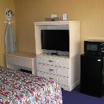 Travelers Inn Lawndale CARoom Amenities