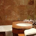 Hôtel Le Manoir Epinal chambre Jouy salle de bains