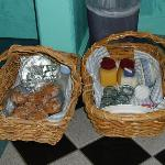 'picnic breakfast' delivered to our door!