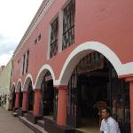 exterior of Maria de la Cruz restaurant.