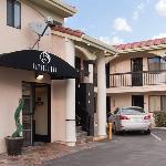 Bayhill Inn San Bruno CAExterior