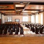 Konferenzsaal mit Kinobestuhlung