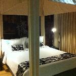 2nd bedroom - queen size bed - 2 bedroom premier suite