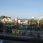 parco giochi visto da una stanza fronte mare